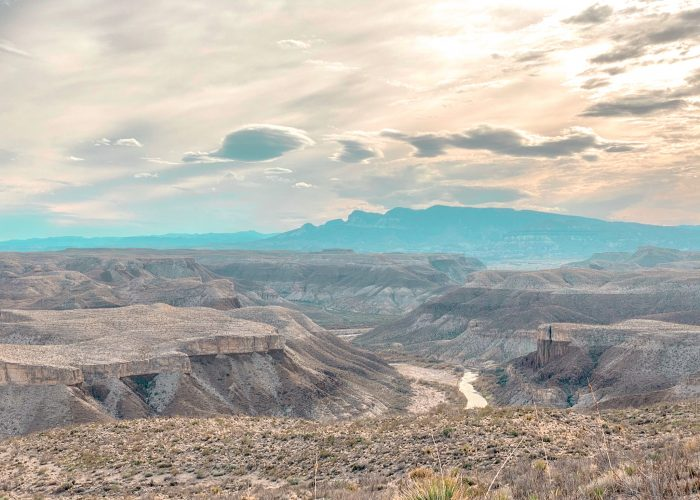 Overlooking the Rio Grande from Mesa de Anguila